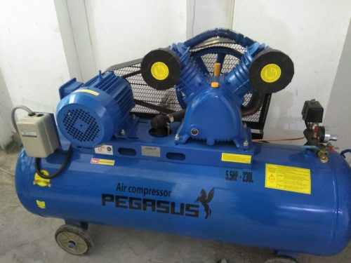 Máy nén khí dùng trong sửa xe, bơm xe, xì khô